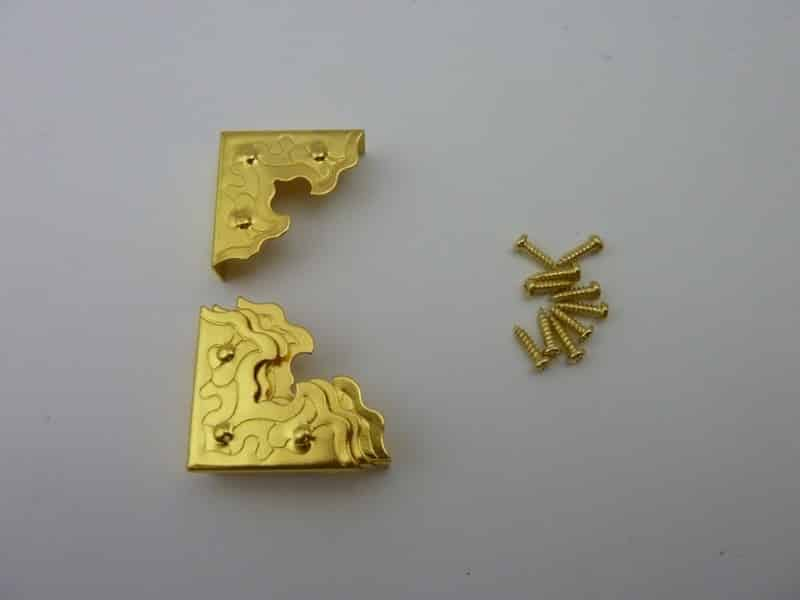 25mmx25mm Brass Plated Decorated Box Corners